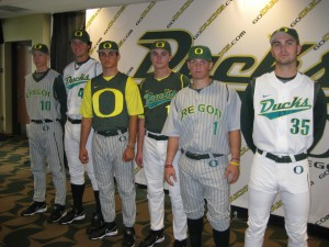 (goducks.com photo)