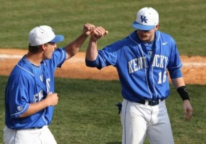 Kentucky Tops Collegiate Baseball Newspaper Poll – April 2